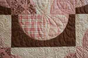 custom free-motion quilting