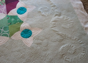 modern machine quilting, quilting in negative space