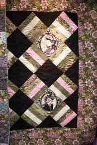 kiss kiss quilt pattern with modern quilting